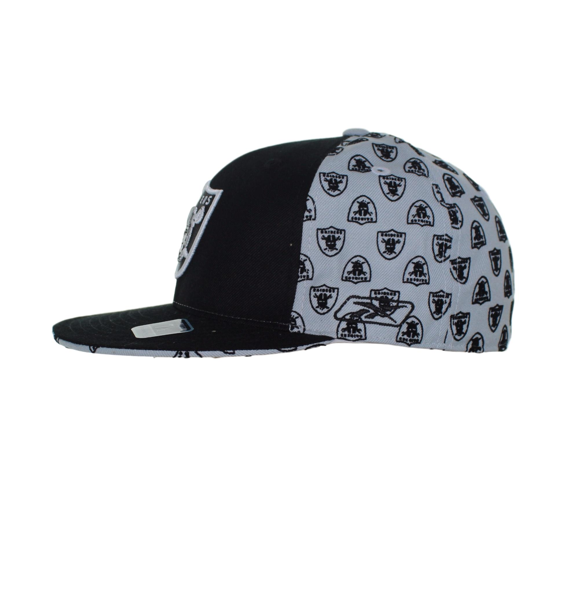 Oakland Raiders Team Logo On Black Logo Checkered Fitted
